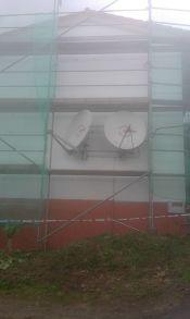Vista lateral con zócalo pintado